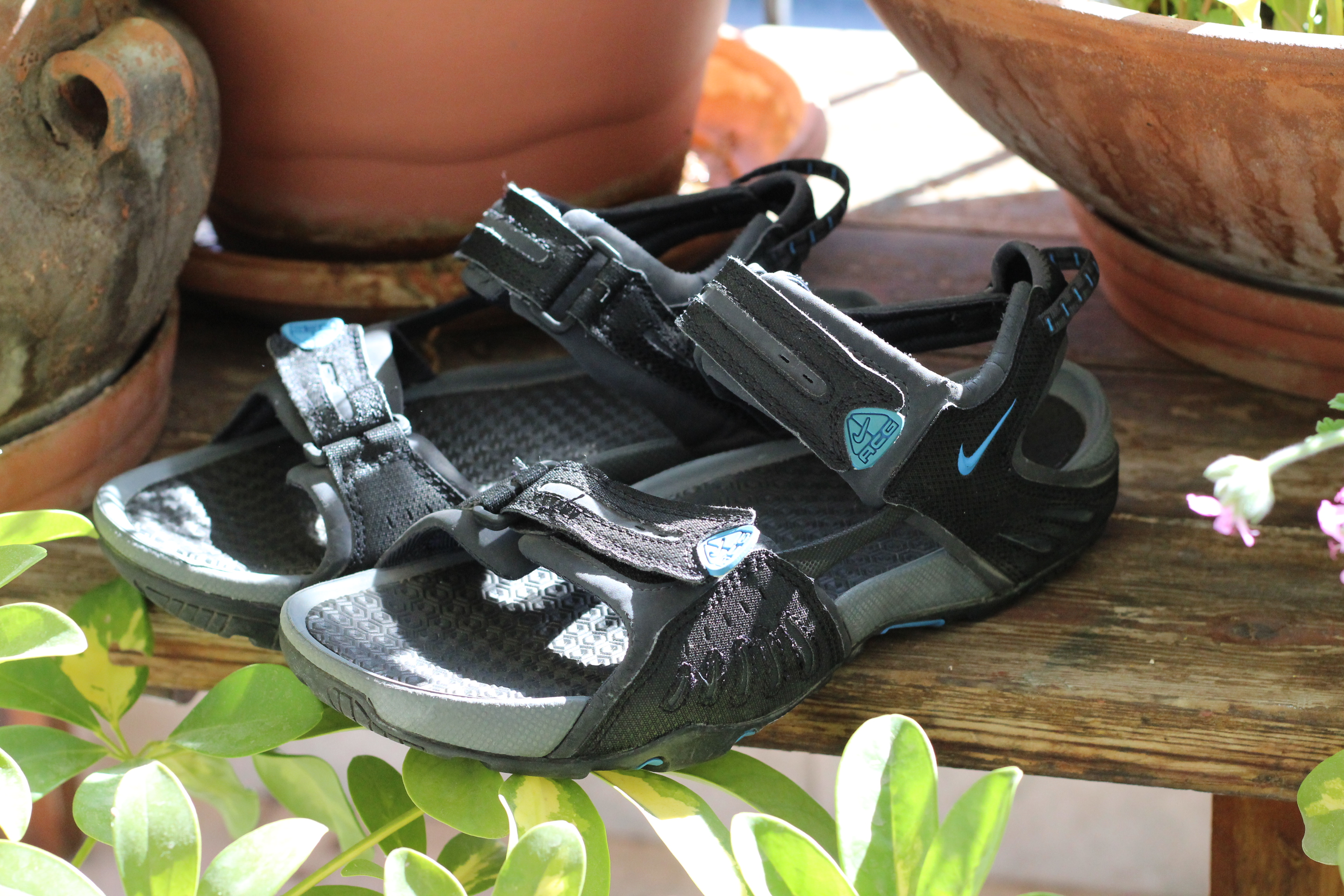 7a5f2001024 Nike Santiam 4 ACG Outdoor sandals Size 9 - Sandals for Sale - Grailed