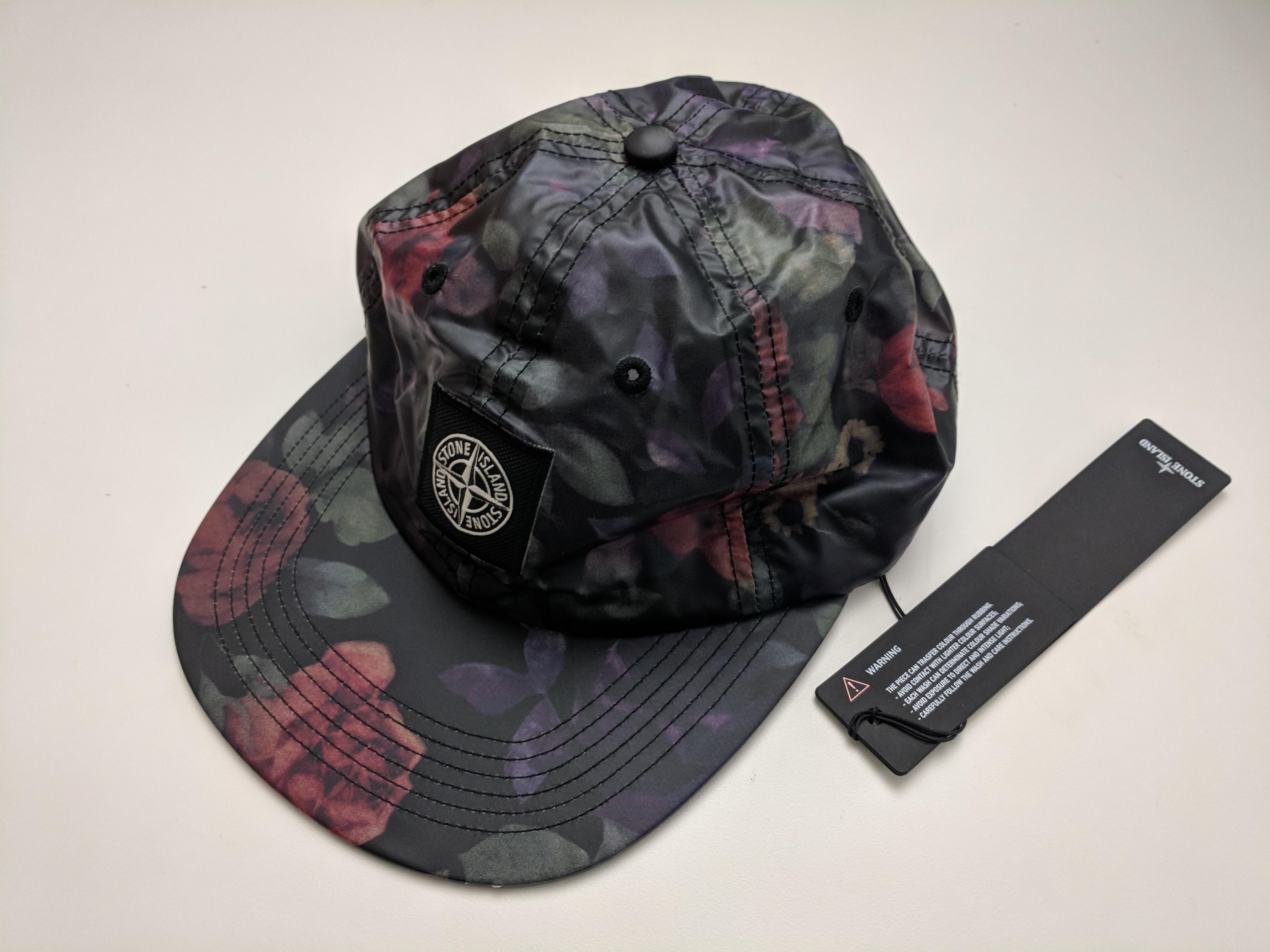 9532d22aee7 Supreme × Stone Island ×. NWT 100% Auth Supreme x Stone Island Lamy 6-Panel  Hat - Black