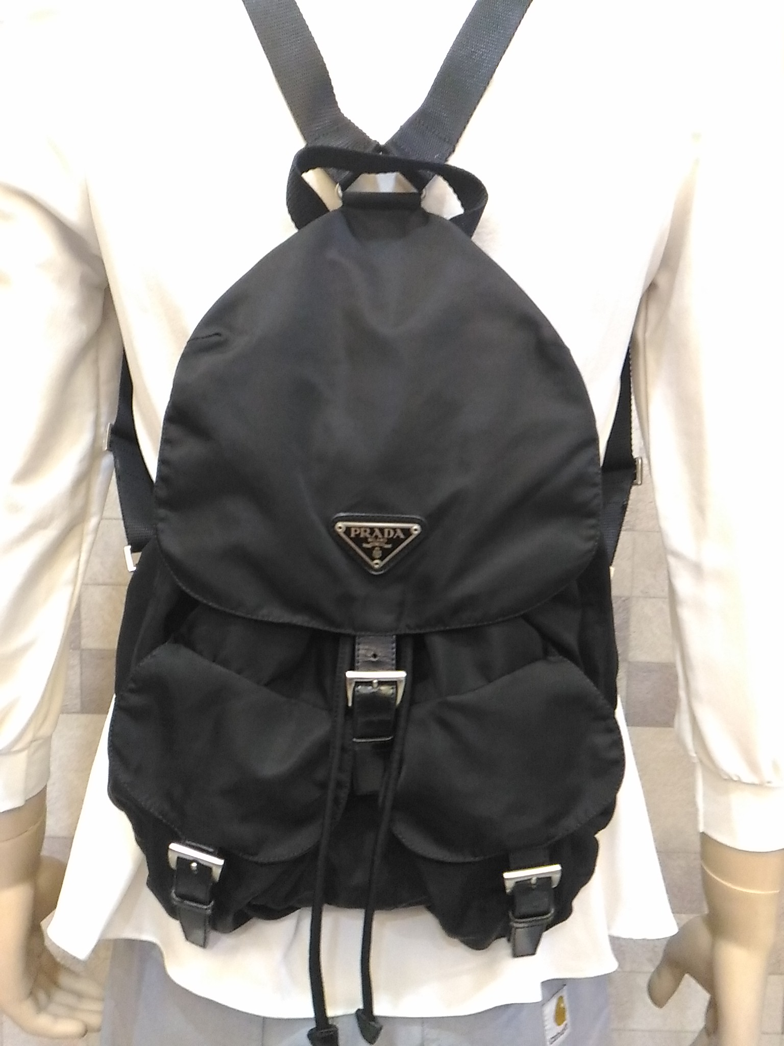 8135c841bc32 Vintage Best Deal Before Christmas, Authentic Luxury Vintage Black ...
