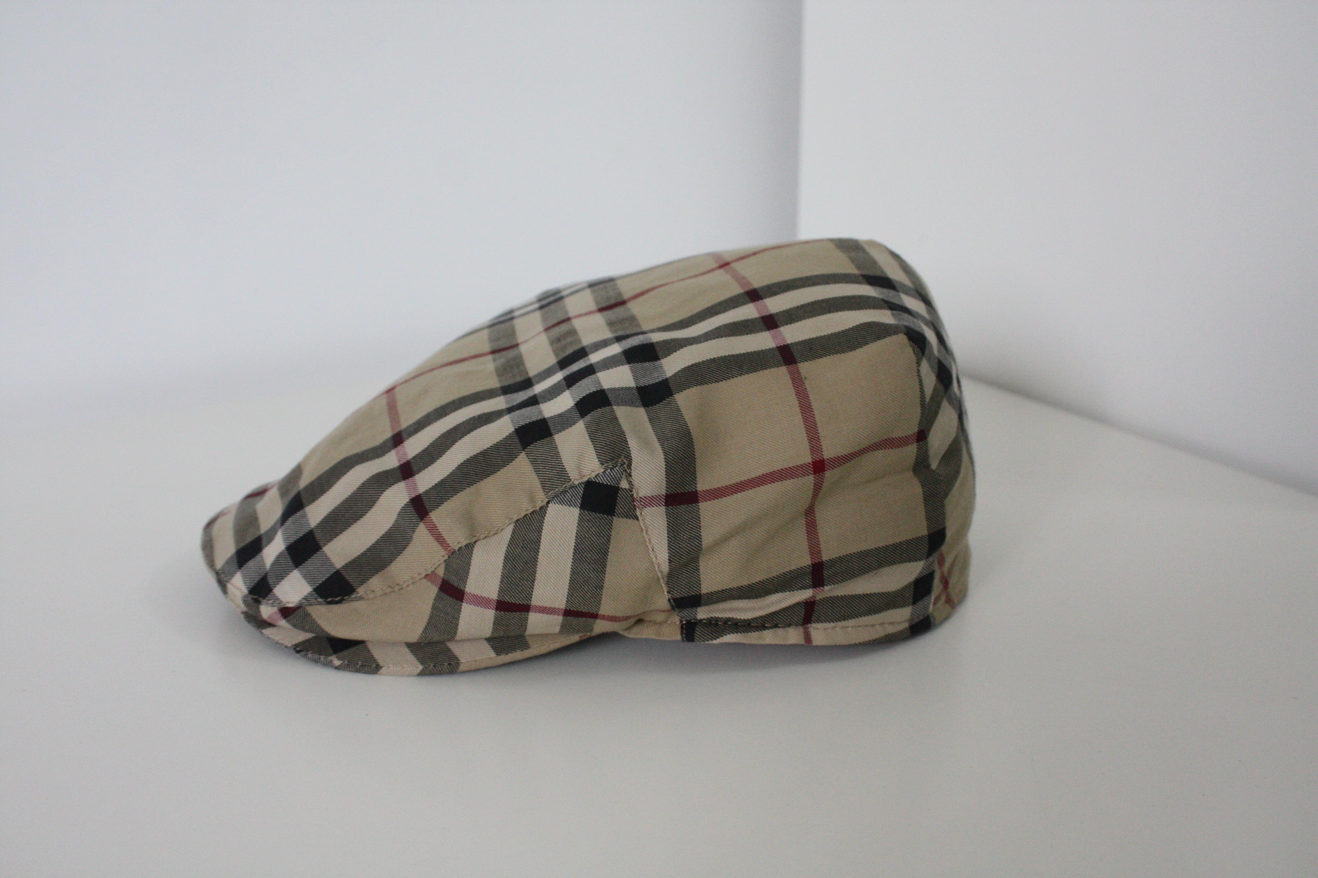 68809ea649119 Burberry. Authentic BURBERRY Men s Classic Nova Check Newsboy Hat Cap ...
