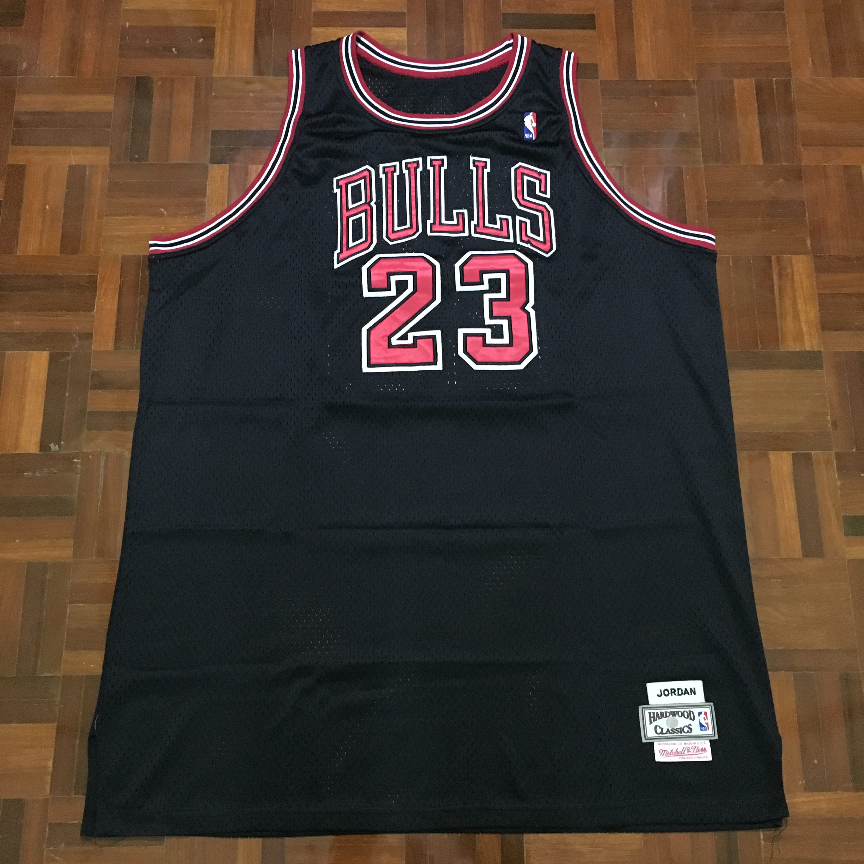 best sneakers 70fb7 9a059 Michael Jordan Chicago Bulls #23 NBA Jersey Hardwood Classics Mitchell Ness  Made in USA