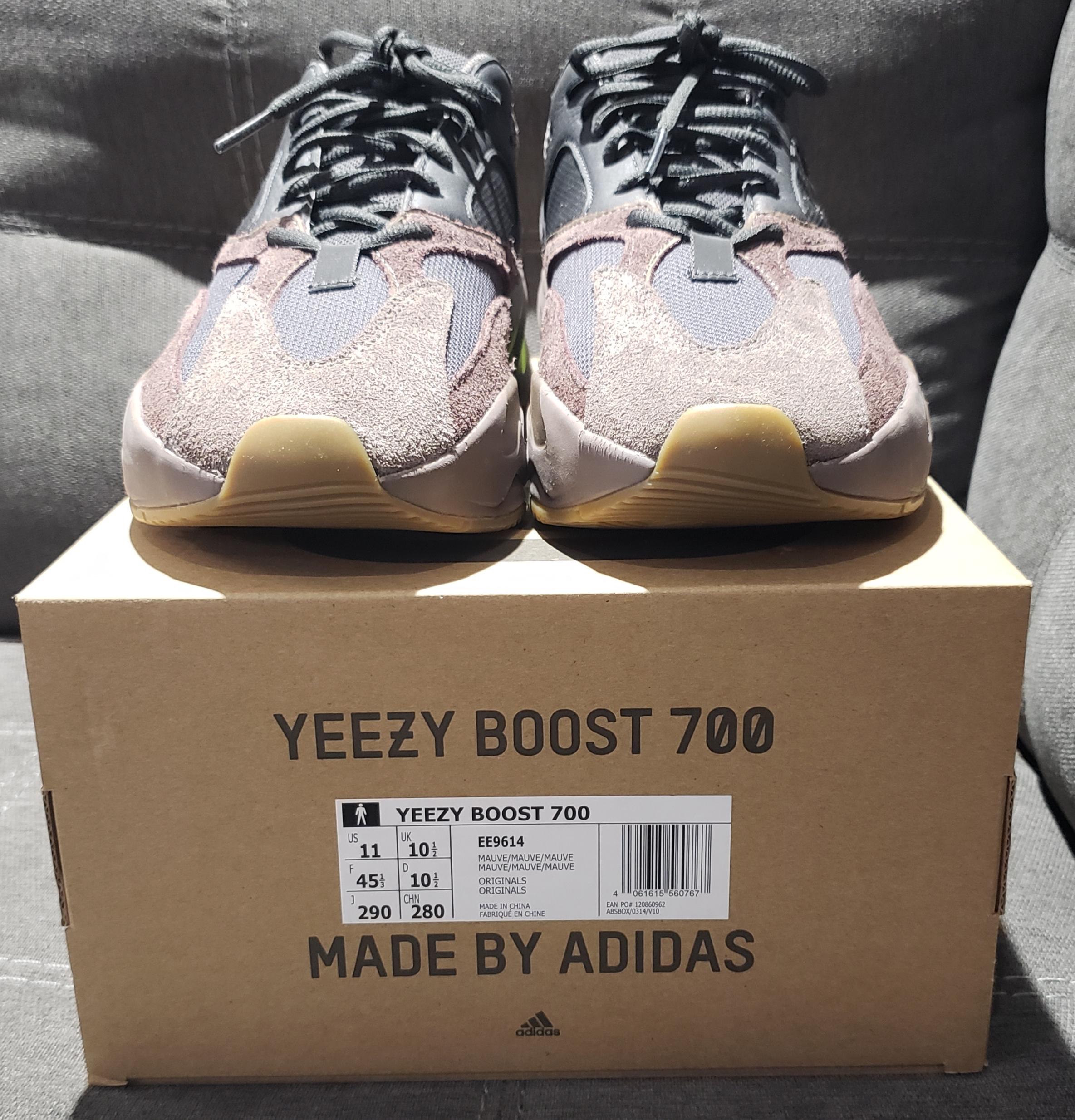 eea2e78919f82 Adidas Kanye West ×. Yeezy 700 Mauve. Size  US 11 ...