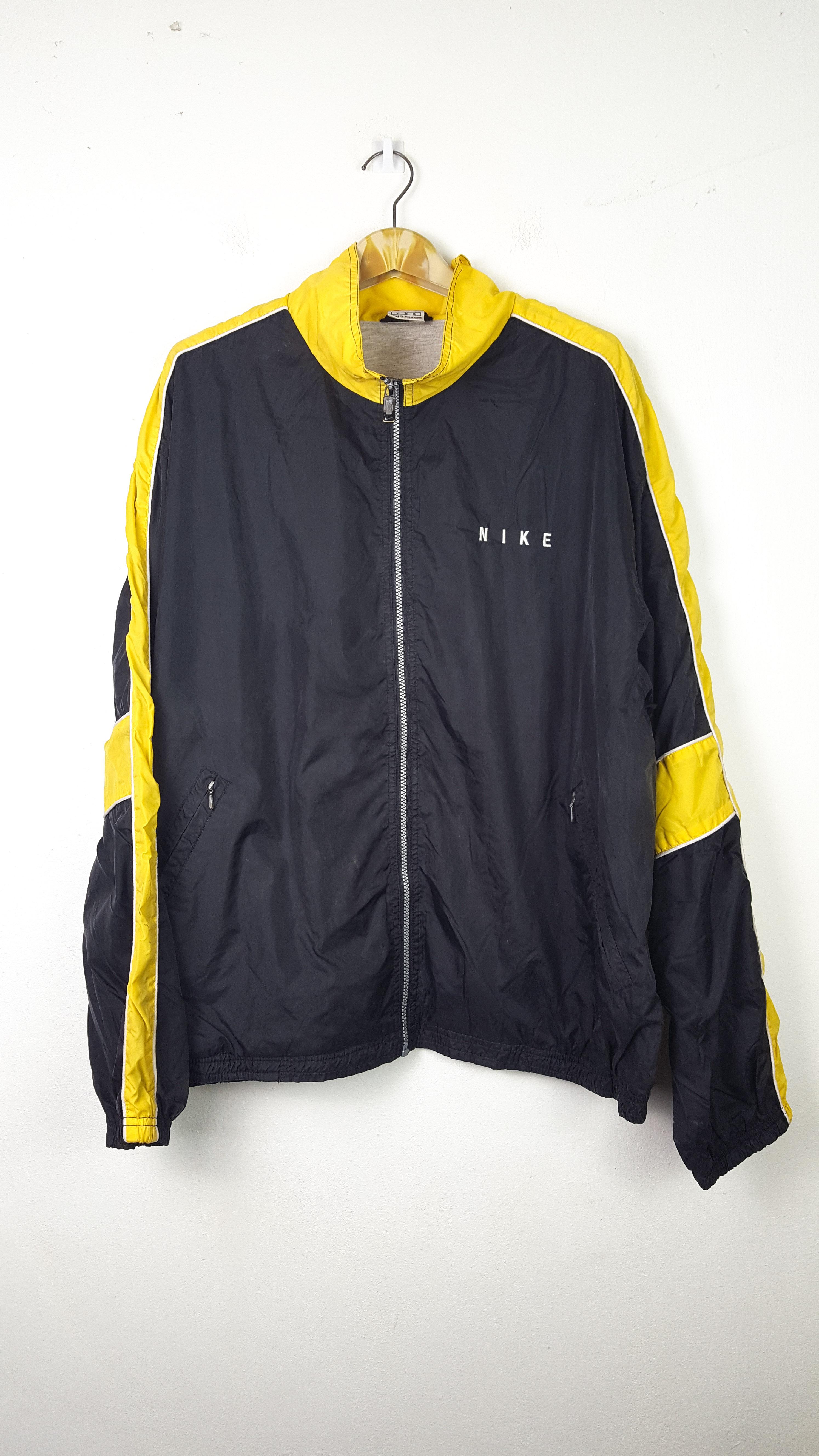 Nike × Vintage. Vintage Rare NIKE Swoosh Yellow Black Oversize Windbreaker  Jacket 8f72fc6fd