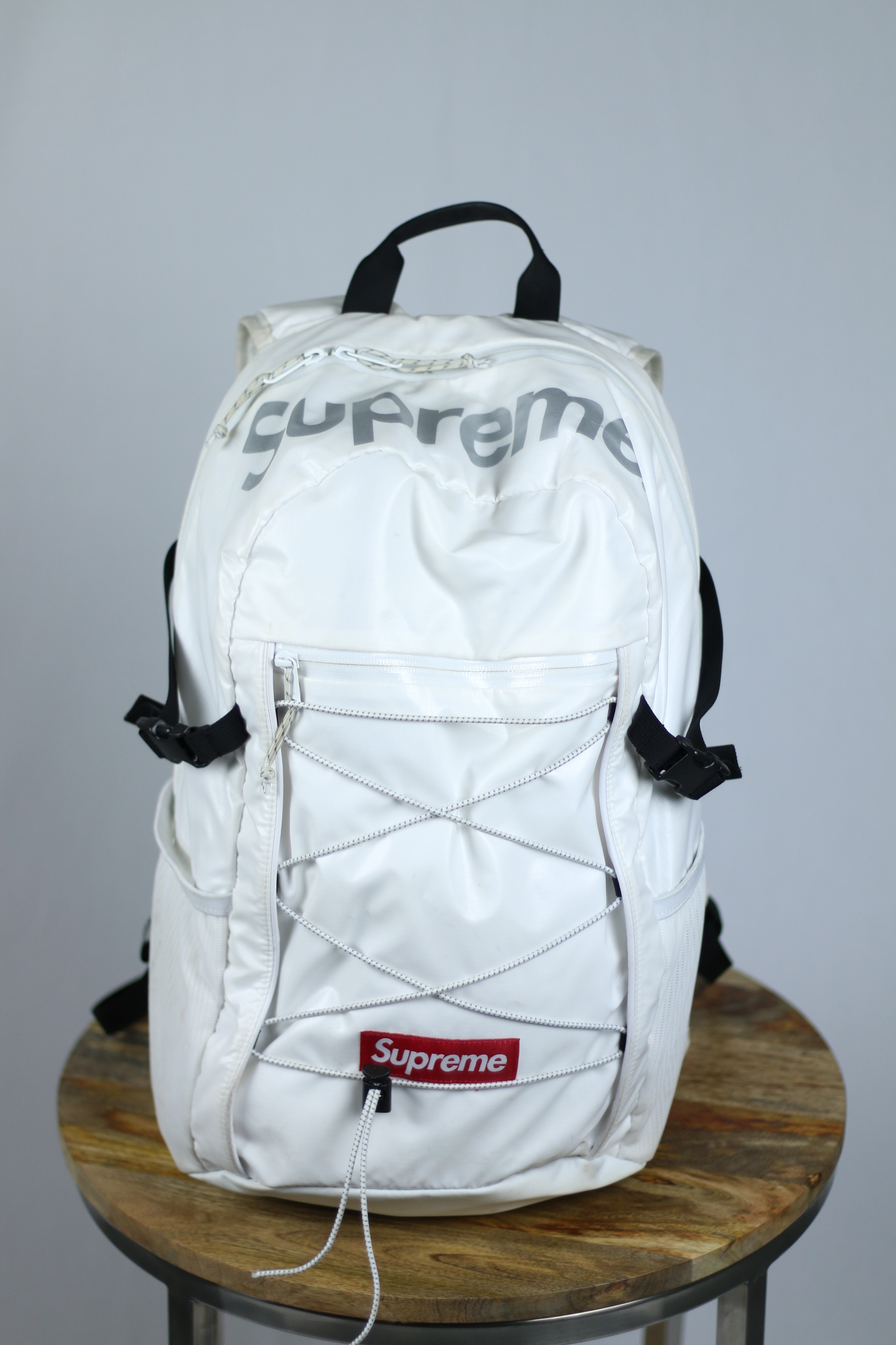 classic fit 111da e714f Supreme ×. White Supreme Backpack FW17