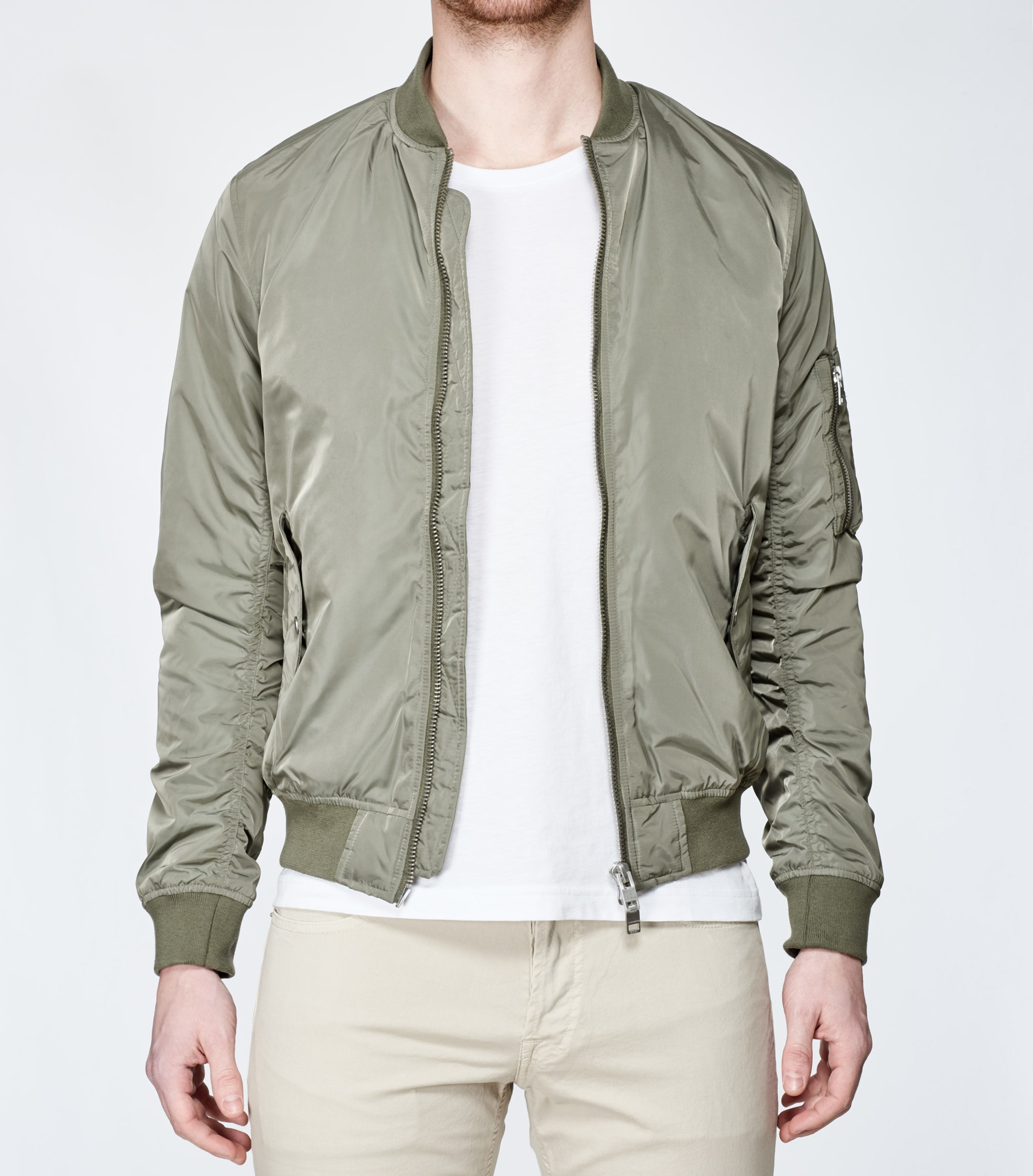 73a572903 BRAND NEW Olive Bomber Marky Taff M