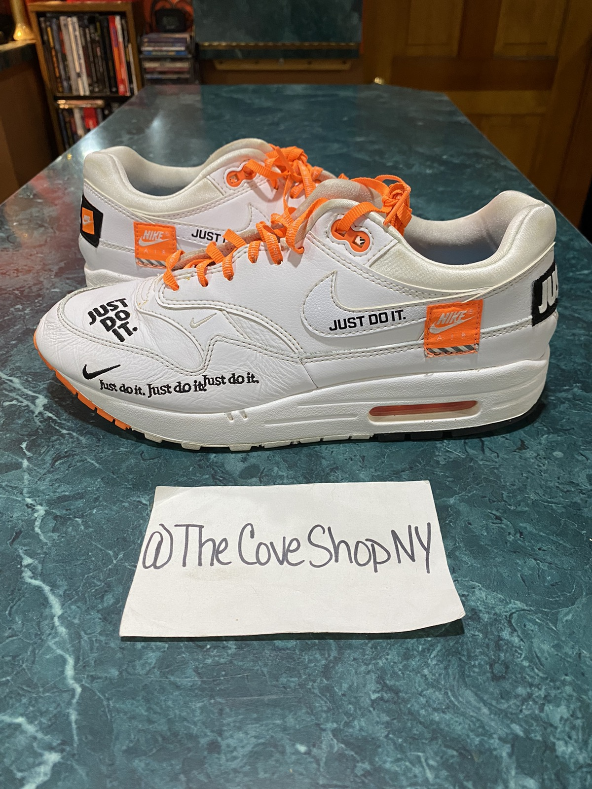 Nike Nike Air Max 1 Just Do It size 9W 7.5/10 100% authentic