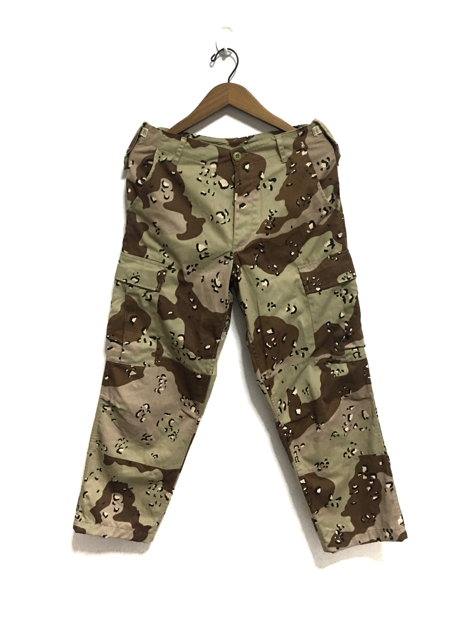 f568e7e8ae5 Vintage ×. Military Issue 6 Color Desert Camo BDU Trousers