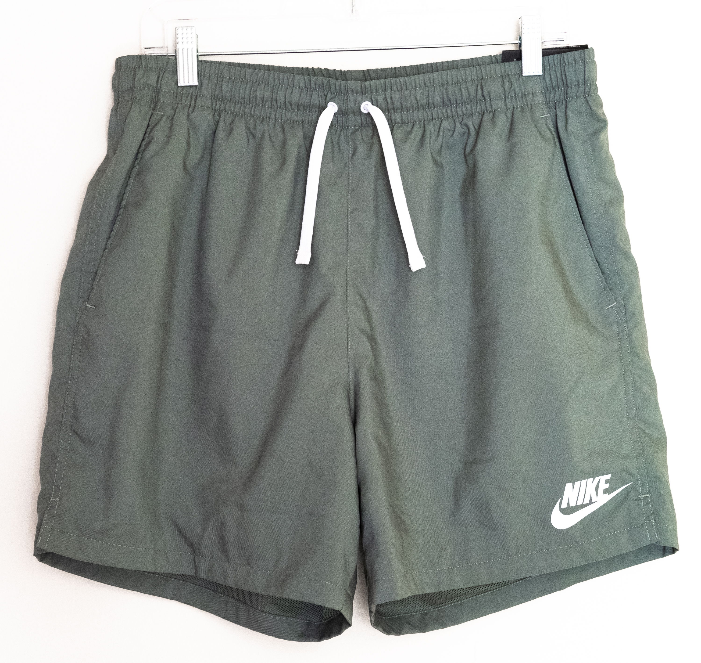 Nike Sportswear Woven Shorts | Green/White | Large