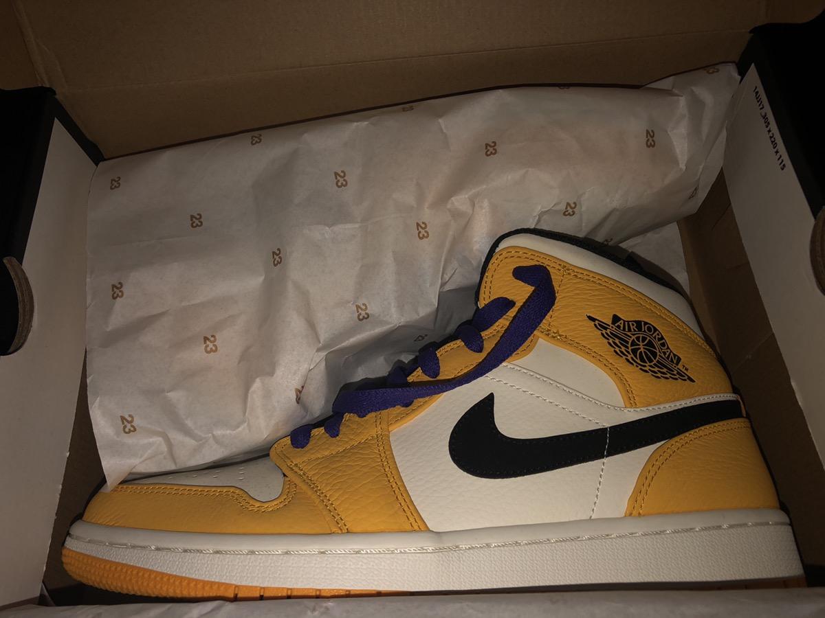 4834d0b008adfe Jordan Brand Jordan 1 Mid Se Laker Color