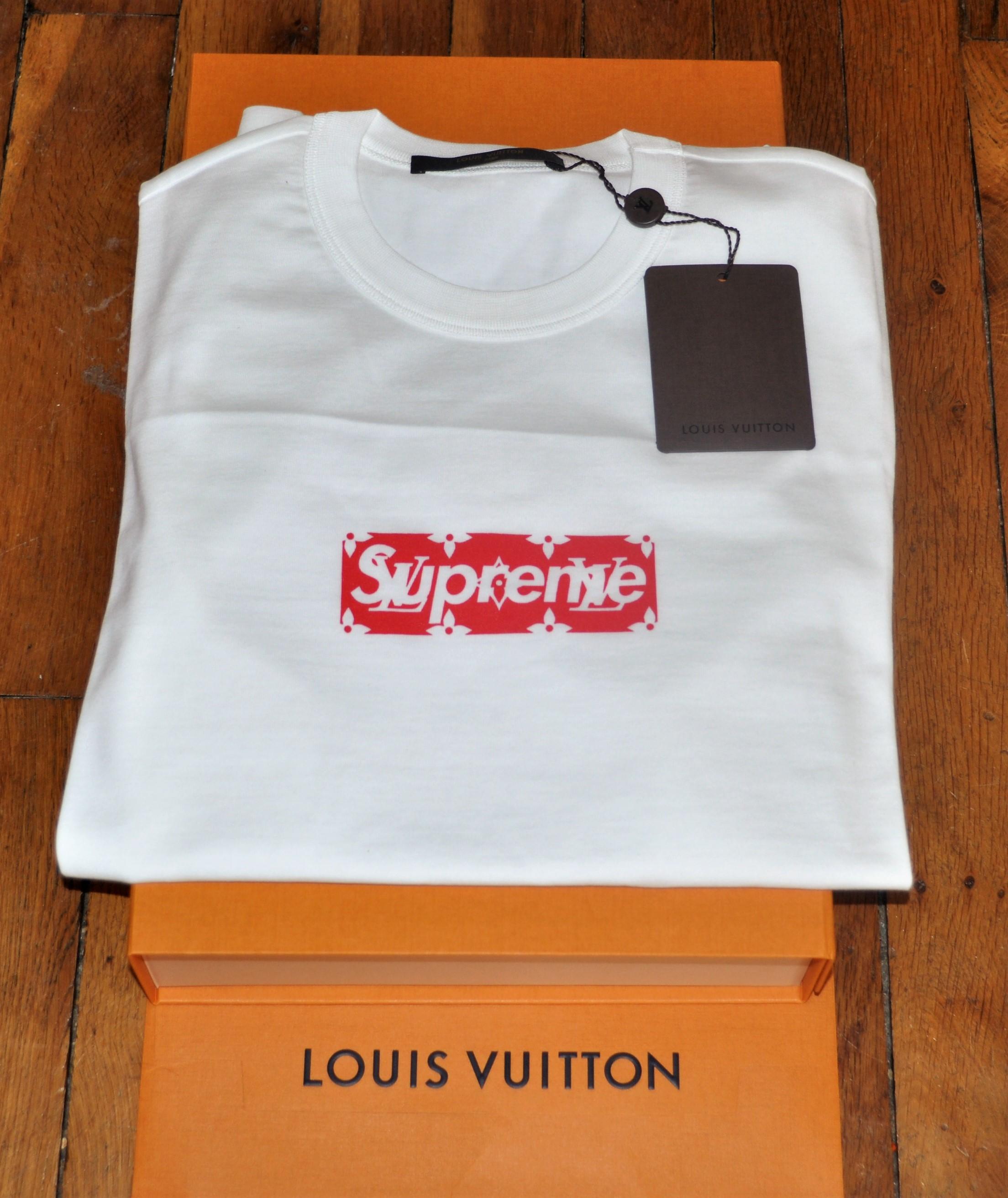 27c9c397da8 Supreme Louis Vuitton X Supreme Tee Box Logo BOGO White Red Monogram XS  Size xs - Short Sleeve T-Shirts for Sale - Grailed