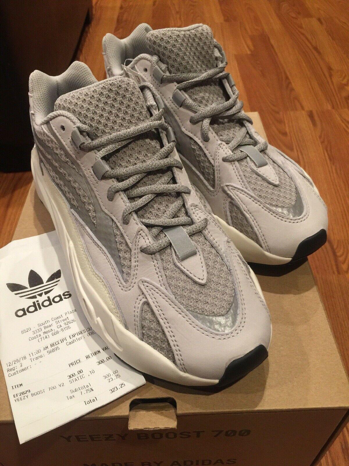 sports shoes 45ac0 51942 Yeezy Boost 700 V2 Static Triple White